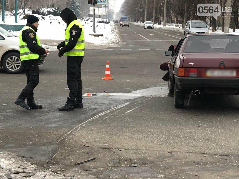 В Кривом Роге перевернулся и загорелся грузовик: пострадали 4 человека, - ФОТО , фото-9