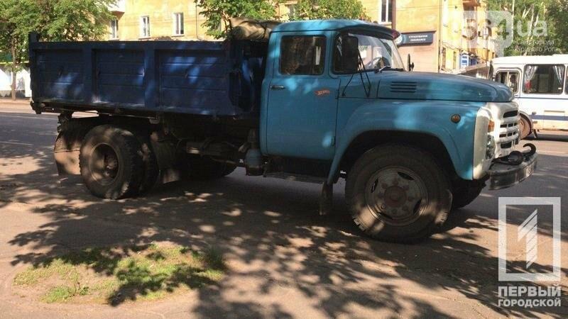 В Кривом Роге грузовик на пешеходном переходе сбил пенсионера, фото-3