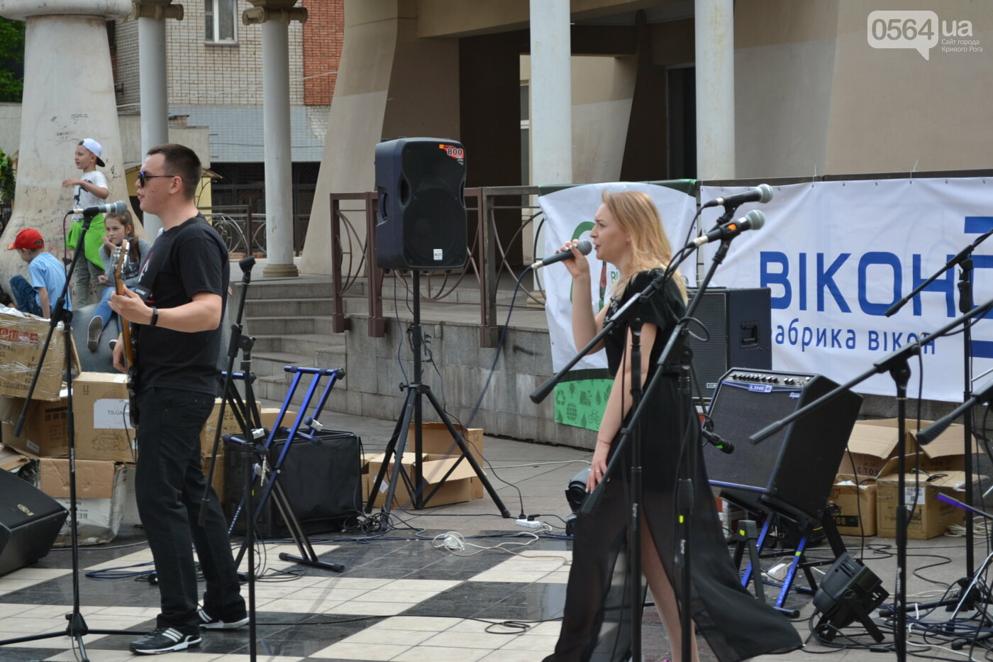 Играют все: на проспекте Почтовом в Кривом Роге проходит фестиваль уличной музыки, - ФОТО, ВИДЕО, фото-17