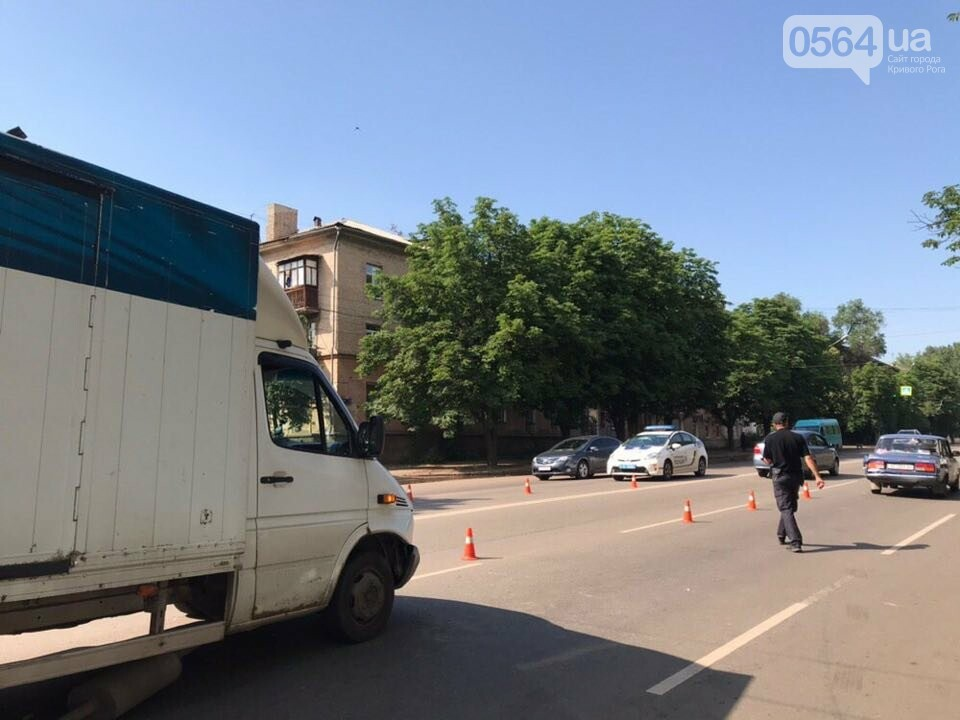 В Кривом Роге маршрутное такси попало в ДТП, есть пострадавшие, - ФОТО, фото-5