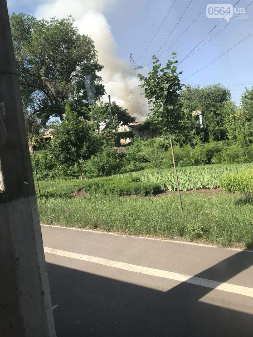 В Кривом Роге на СТО произошел пожар, сгорела как минимум одна машина, - ФОТО , фото-3