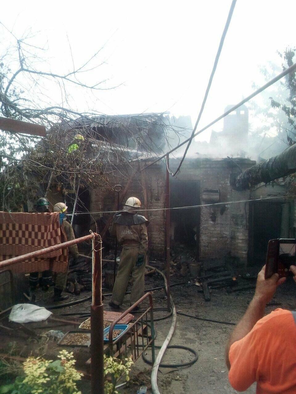 Пострадавшего на пожаре 71-летнего криворожанина госпитализировали в ожоговое отделение, - ФОТО , фото-1