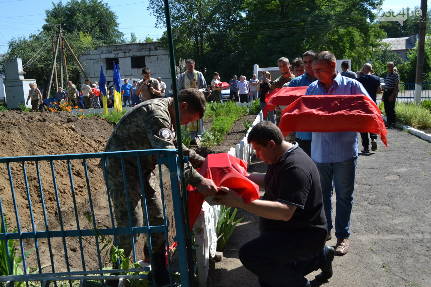 Вечная память! На Криворожье торжественно захоронили останки 43 воинов Второй мировой, - ФОТО, ВИДЕО, фото-28