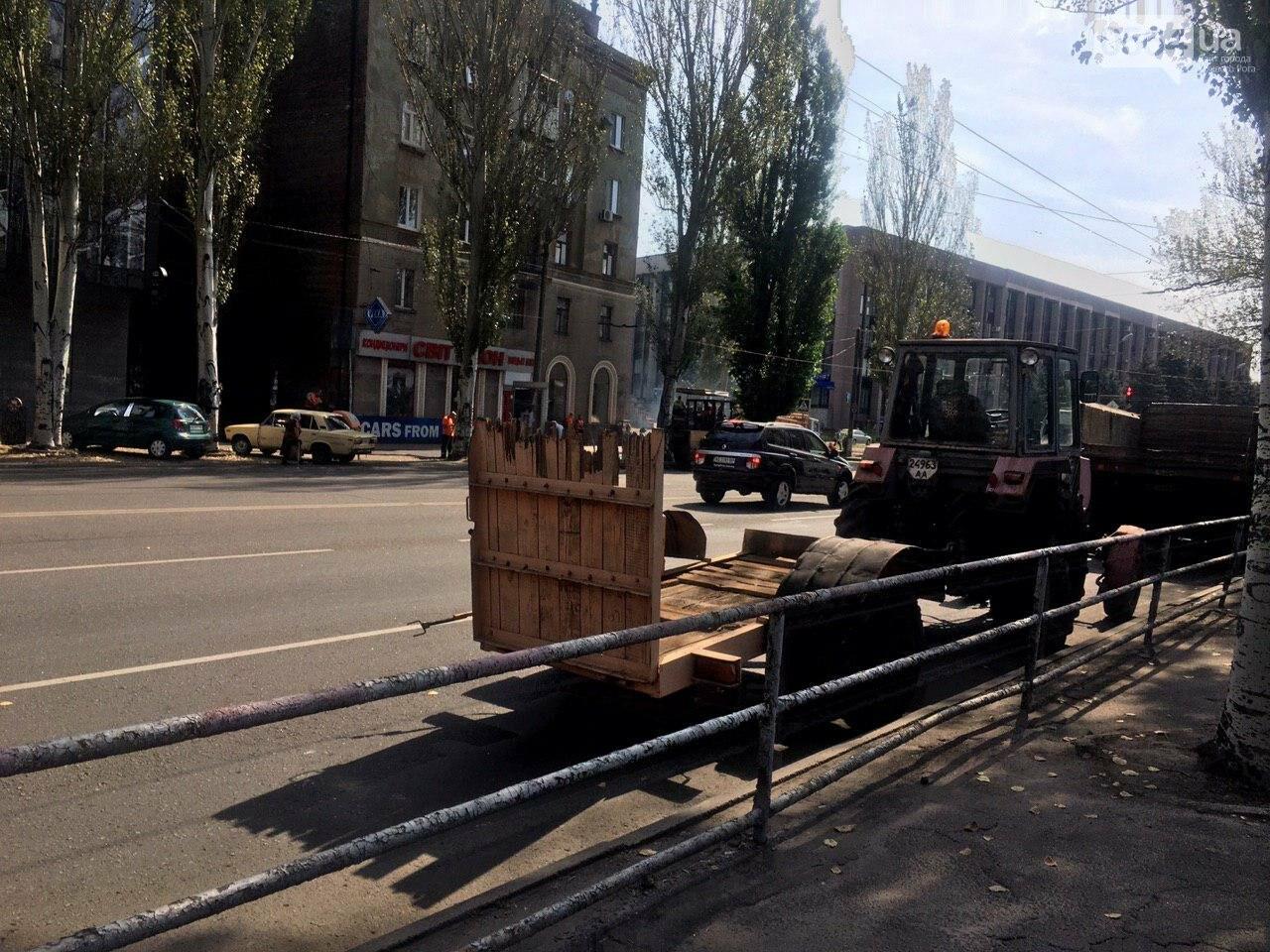 В Кривом Роге ремонтируют пешеходную дорожку к горисполкому, - ФОТО , фото-52
