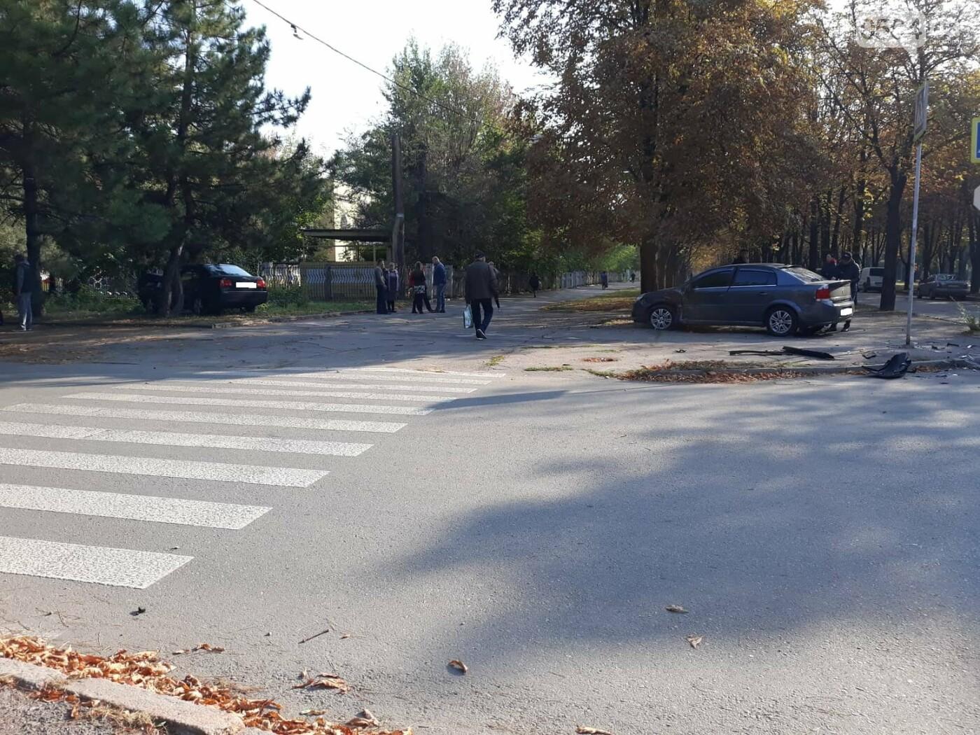ДТП в Кривом Роге: от удара Chery выбросило далеко за пределы проезжей части, фото-7