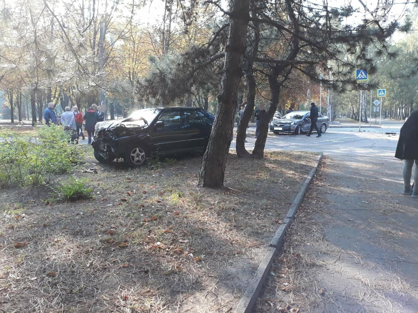 ДТП в Кривом Роге: от удара Chery выбросило далеко за пределы проезжей части, фото-9