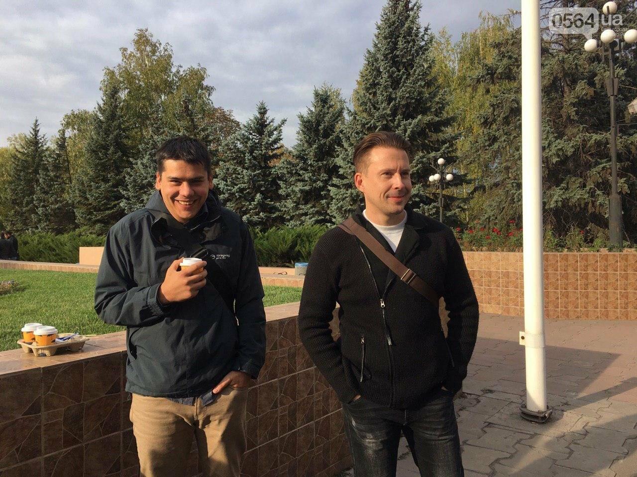 Криворожские активисты вместо Павлова на должность заместителя мэра Кривого Рога предложили Януковича, - ФОТО, ВИДЕО, фото-7