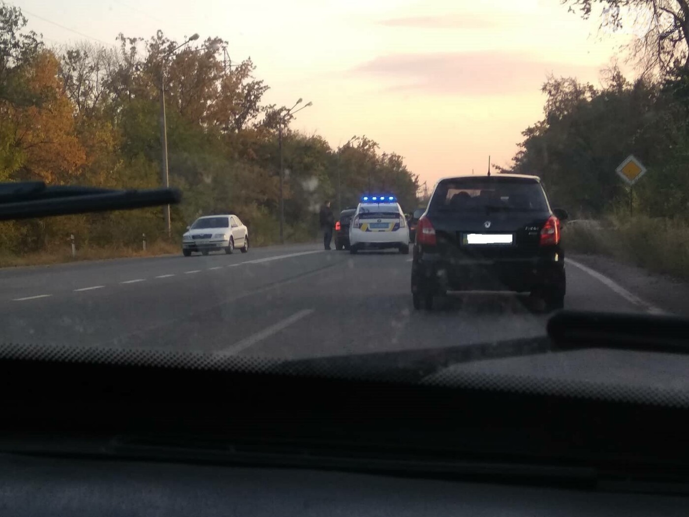 В Кривом Роге на объездной дороге не разминулись Mitsubishi  и Skoda , - ФОТО, фото-1