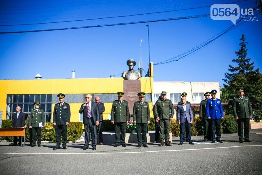 Автопарк криворожской воинской части пополнился тремя автомобилями, - ФОТО , фото-4