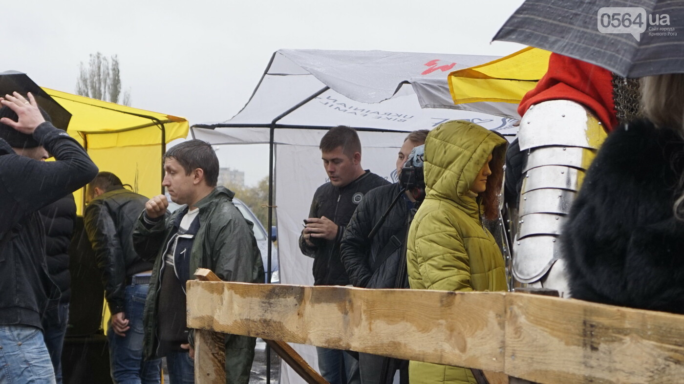 В Кривом Роге рыцари в доспехах, с мечами и топорами приняли участие в Турнире стального города, - ФОТО, ВИДЕО , фото-5