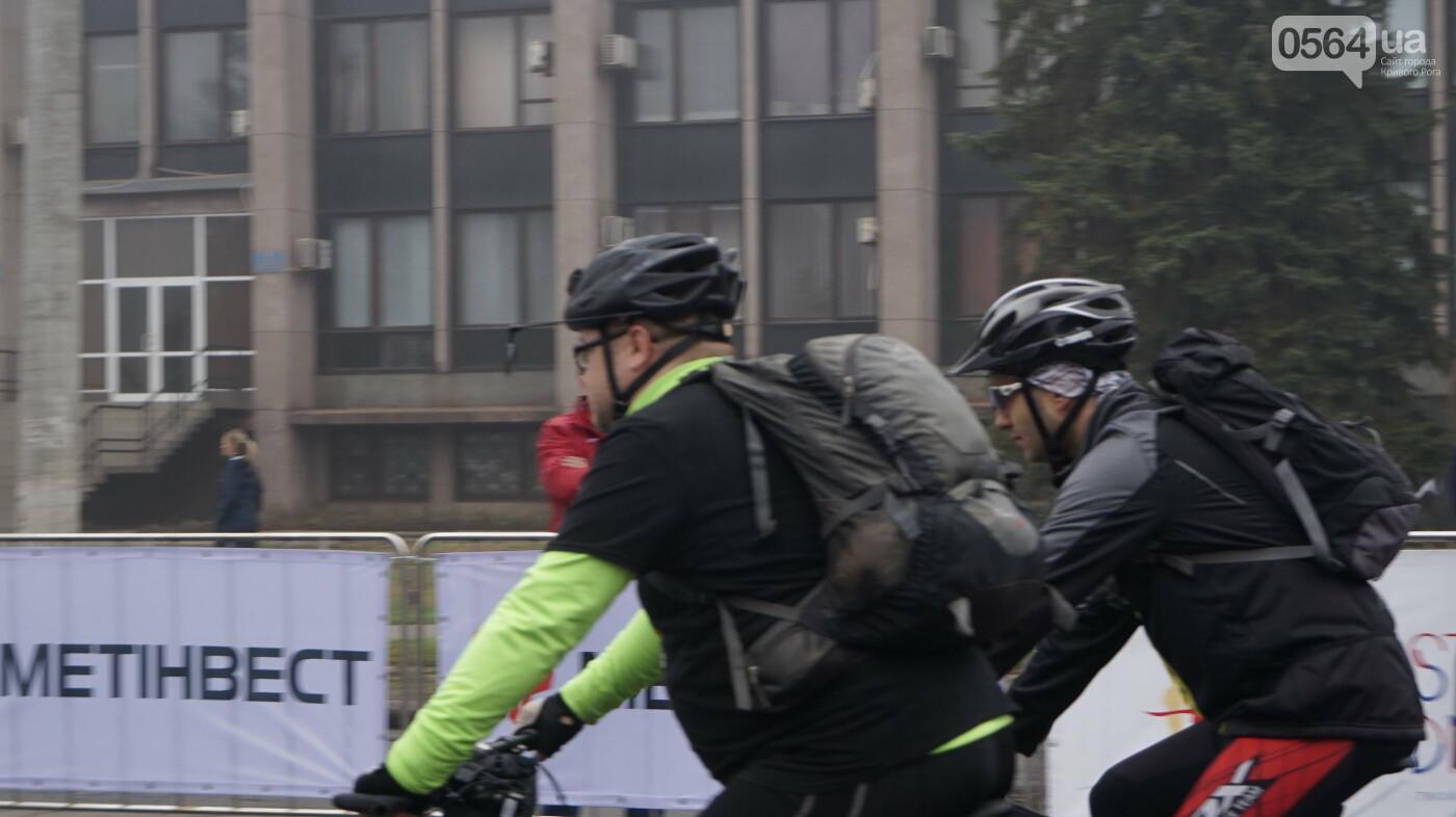 В Кривом Роге День защитника Украины и День украинского козачества начали отмечать с велопробега, - ФОТО, ВИДЕО  , фото-21