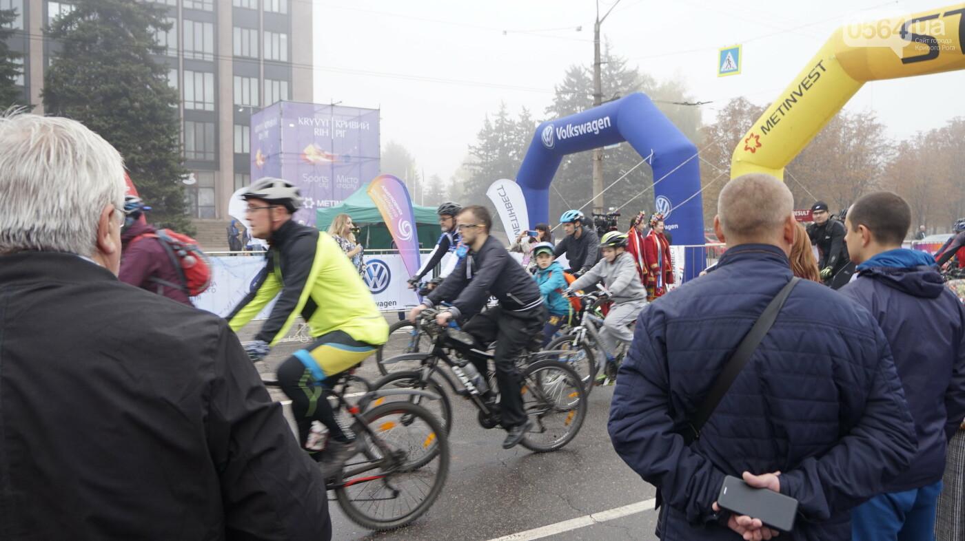 В Кривом Роге День защитника Украины и День украинского козачества начали отмечать с велопробега, - ФОТО, ВИДЕО  , фото-27