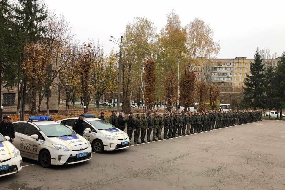 В Кривом Роге Покровский район начали охранять полицейские и военные, - ФОТО , фото-2