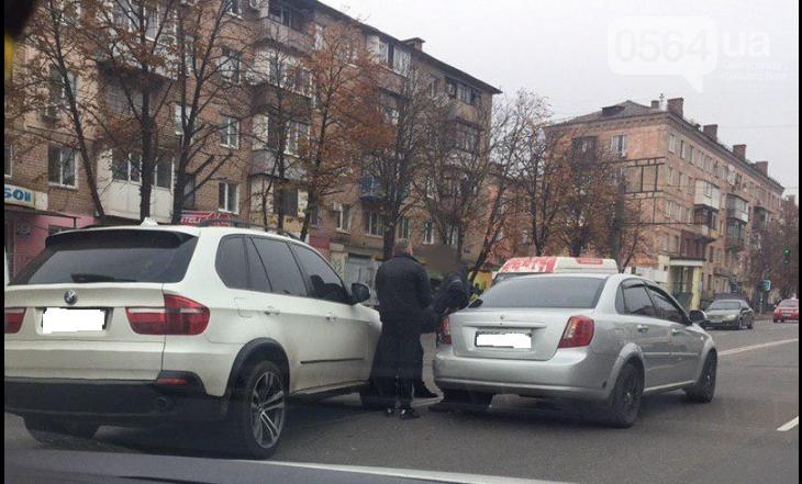 В Кривом Роге дорогу не поделили BMW и Chevrolet Lacetti, - ФОТО , фото-1