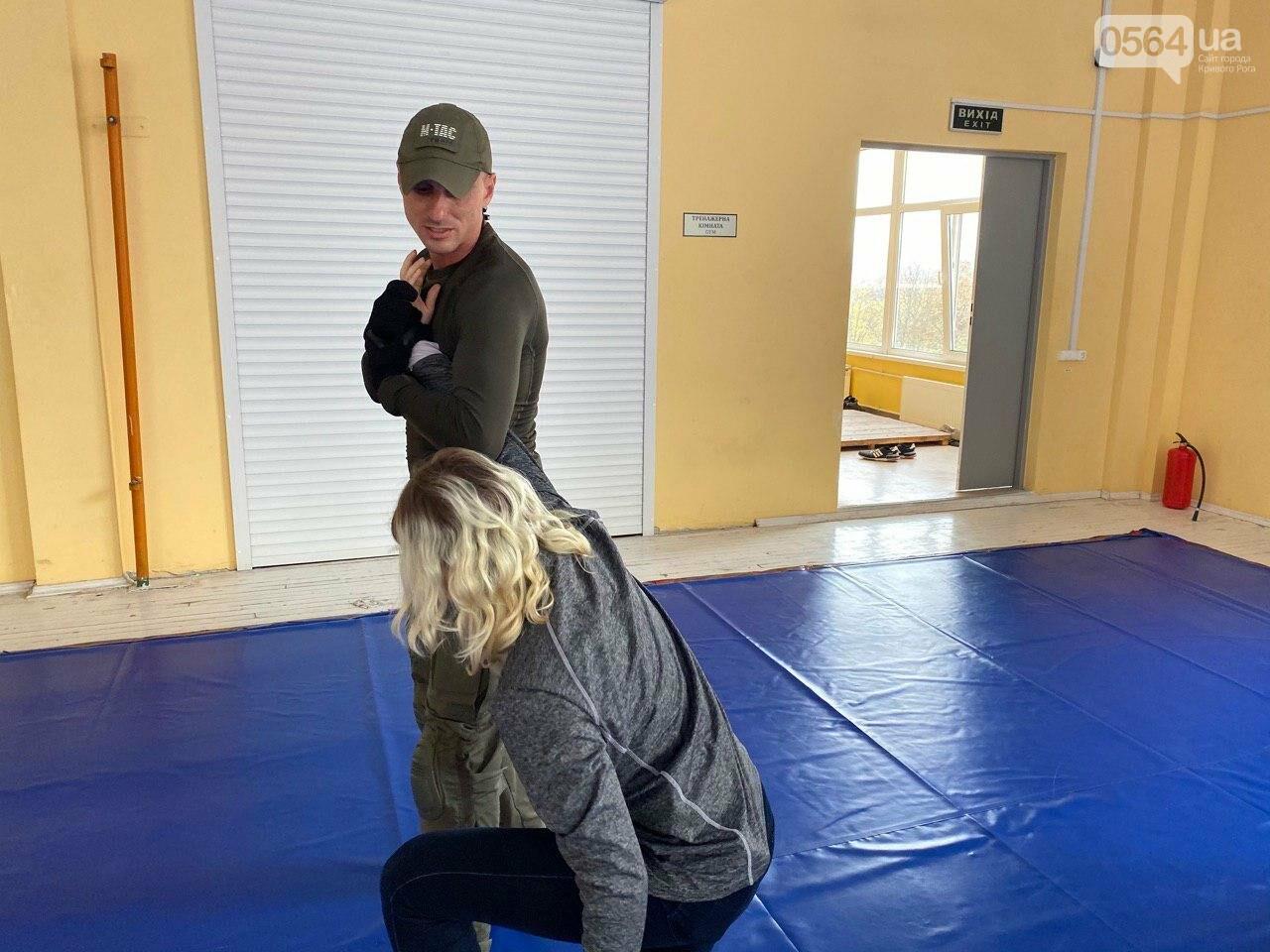 Инструкторы ДЮИ МВД обучали криворожских журналистов, как действовать в чрезвычайных ситуациях, - ФОТО, ВИДЕО , фото-3