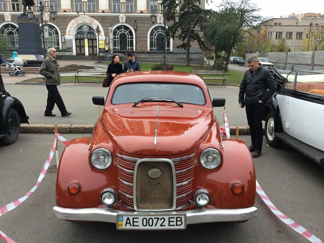 """В Кривом Роге показали """"Кабриолет"""", снимавшийся в 5 фильмах, и машину Штирлица, - ФОТО, ВИДЕО, фото-19"""