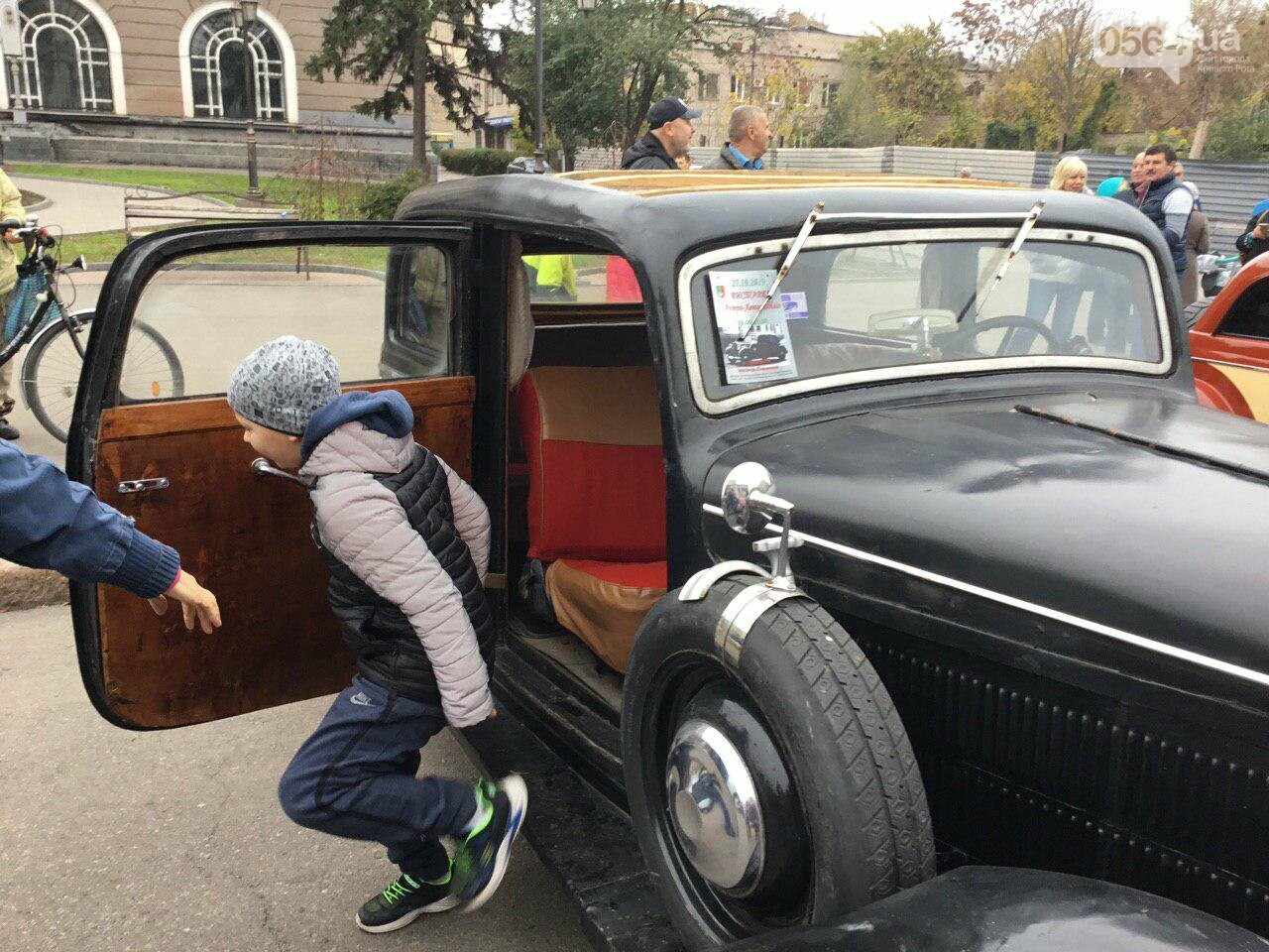 """В Кривом Роге показали """"Кабриолет"""", снимавшийся в 5 фильмах, и машину Штирлица, - ФОТО, ВИДЕО, фото-14"""