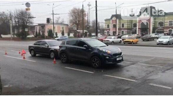 В Кривом Роге возле железнодорожной станции произошло ДТП, - ФОТО , фото-7
