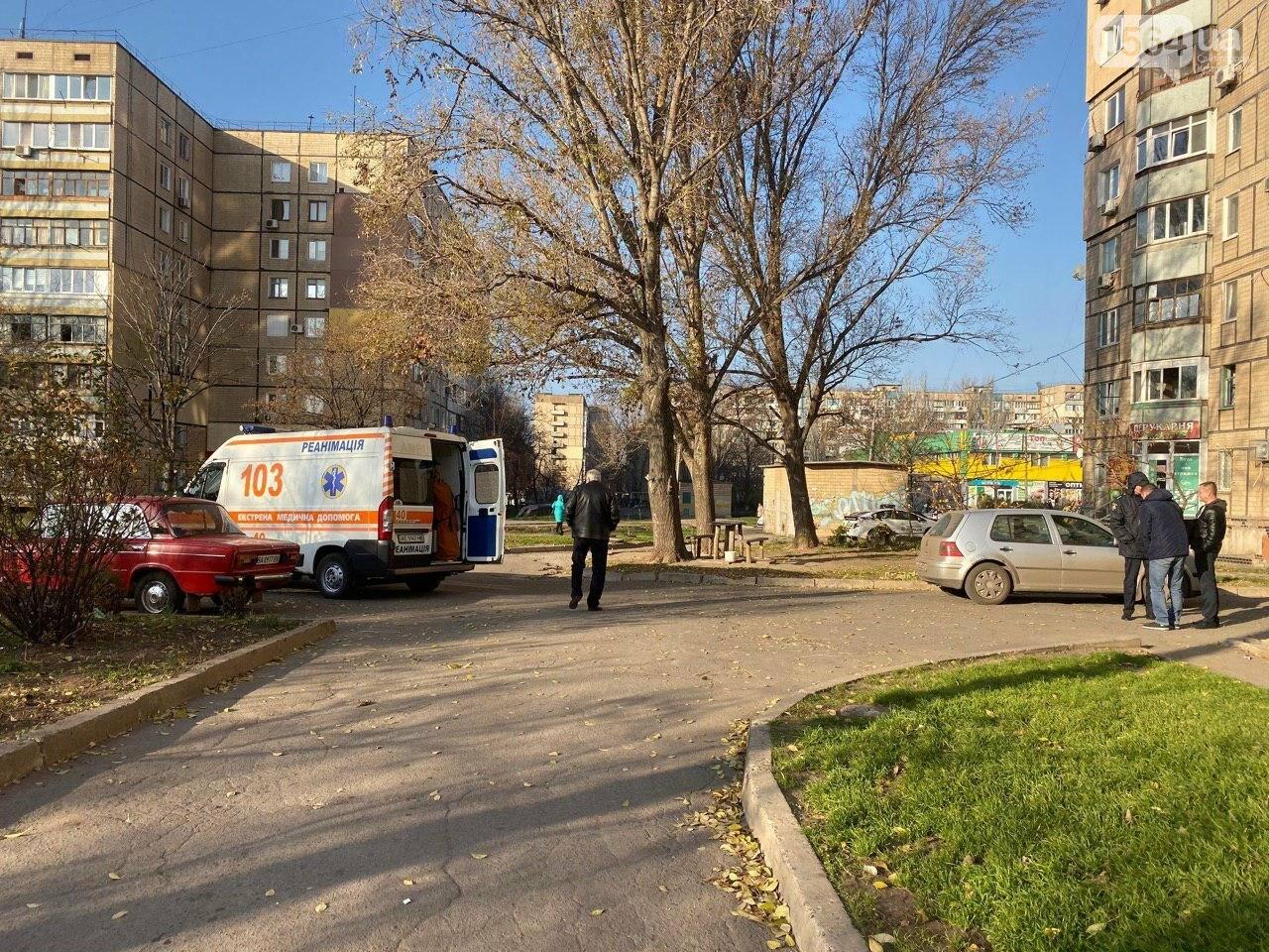 В Кривом Роге из окна 11 этажа выпал мужчина, - ФОТО 18+, фото-8