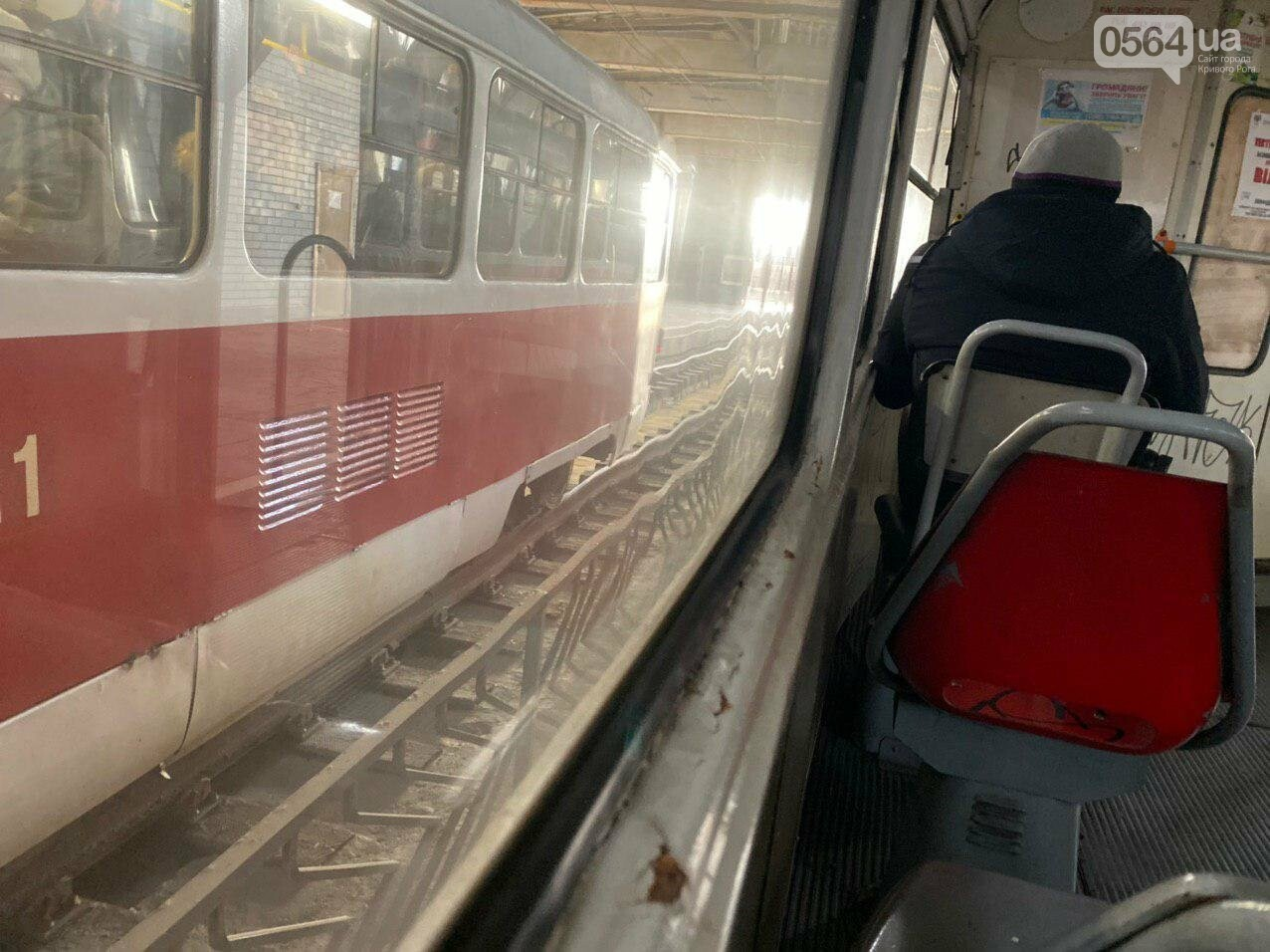 В Кривом Роге полностью остановилось движение скоростного трамвая, - ФОТО , фото-7