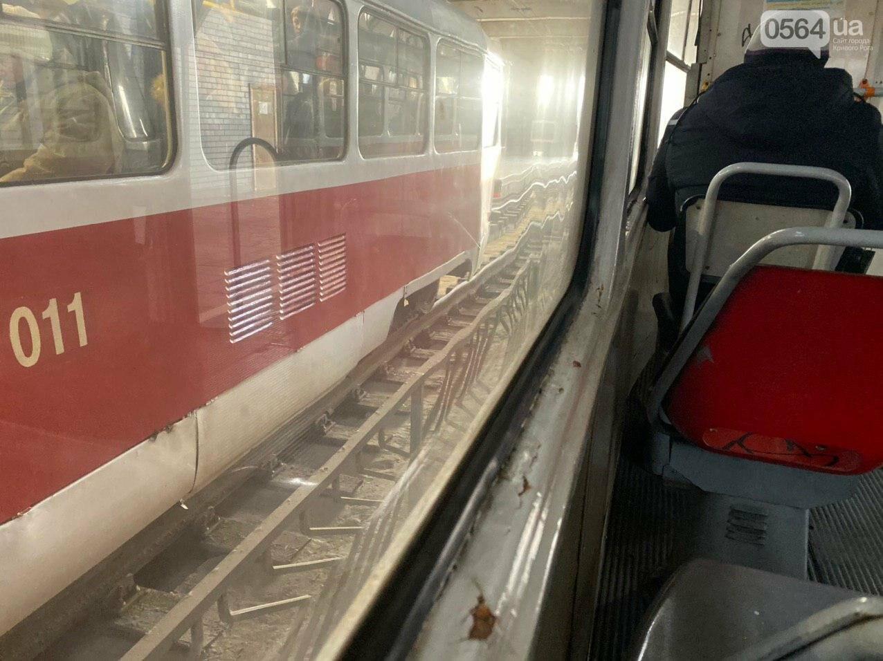 В Кривом Роге полностью остановилось движение скоростного трамвая, - ФОТО , фото-8