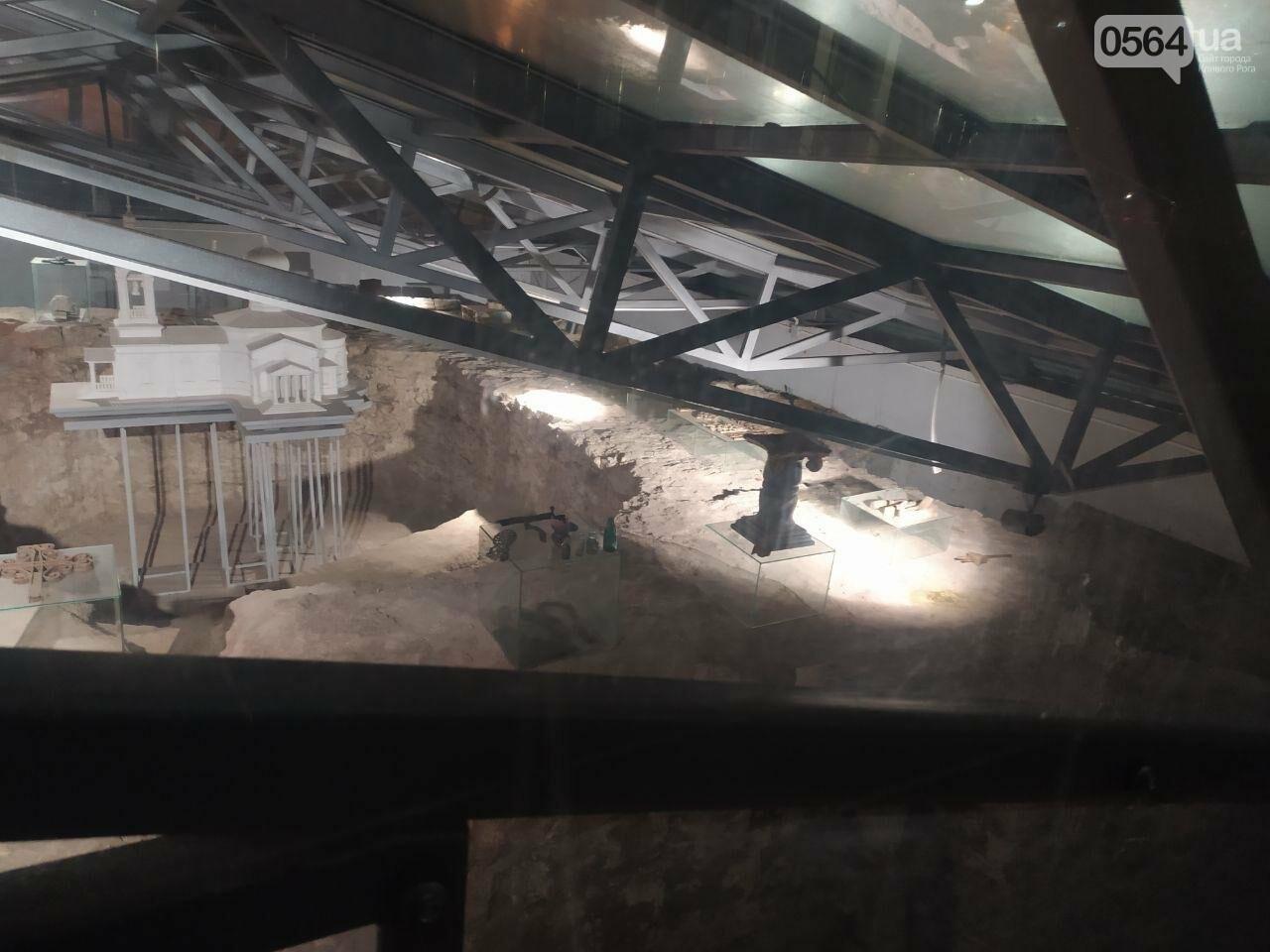 Информация о краже из музейной экспозиции в Кривом Роге в полицию не поступала. Правоохранители начали проверку, - ФОТО, фото-7