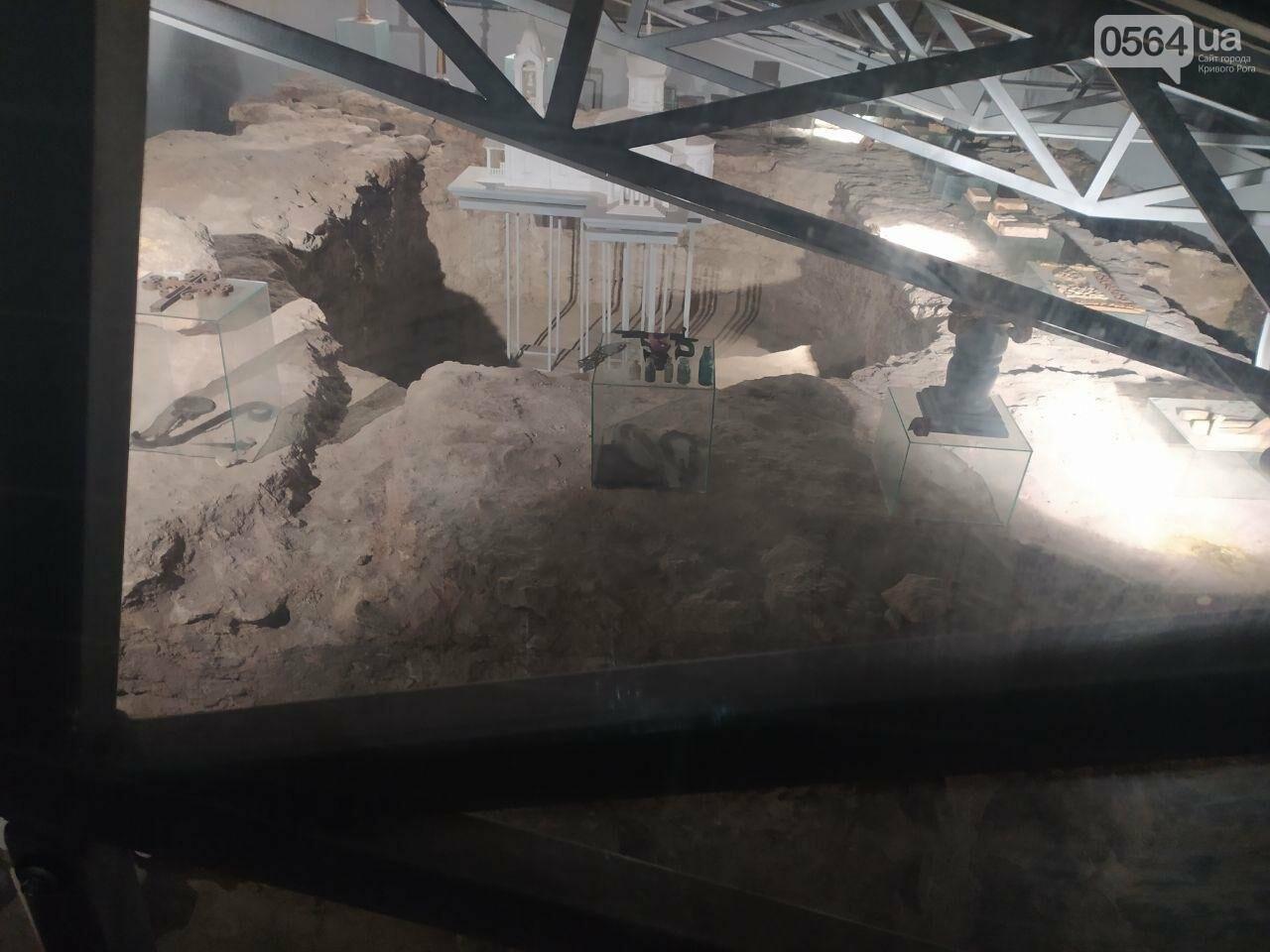 Информация о краже из музейной экспозиции в Кривом Роге в полицию не поступала. Правоохранители начали проверку, - ФОТО, фото-9