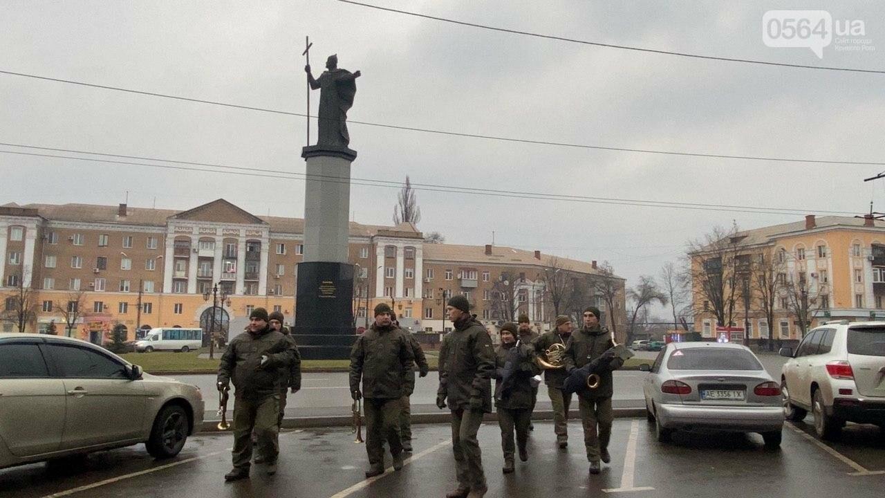 Два центральных района Кривого Рога будут патрулировать военнослужащие и полицейские, - ФОТО, ВИДЕО , фото-18