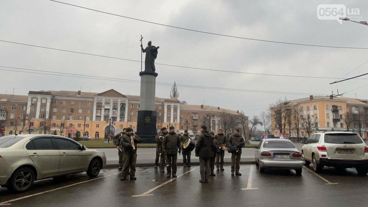 Два центральных района Кривого Рога будут патрулировать военнослужащие и полицейские, - ФОТО, ВИДЕО , фото-15