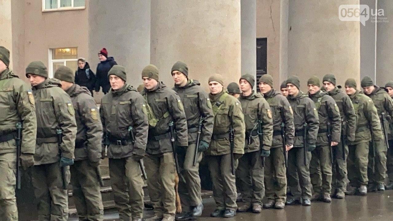 Два центральных района Кривого Рога будут патрулировать военнослужащие и полицейские, - ФОТО, ВИДЕО , фото-2