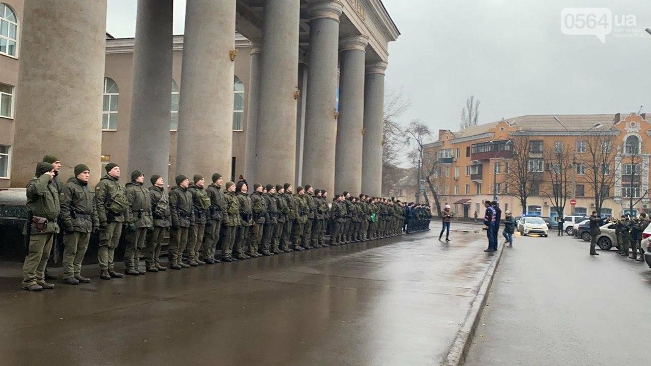 Два центральных района Кривого Рога будут патрулировать военнослужащие и полицейские, - ФОТО, ВИДЕО , фото-4