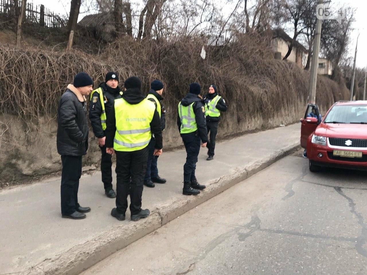 В Кривом Роге легковой автомобиль сбил подростка, который выскочил на дорогу, - ФОТО , фото-4