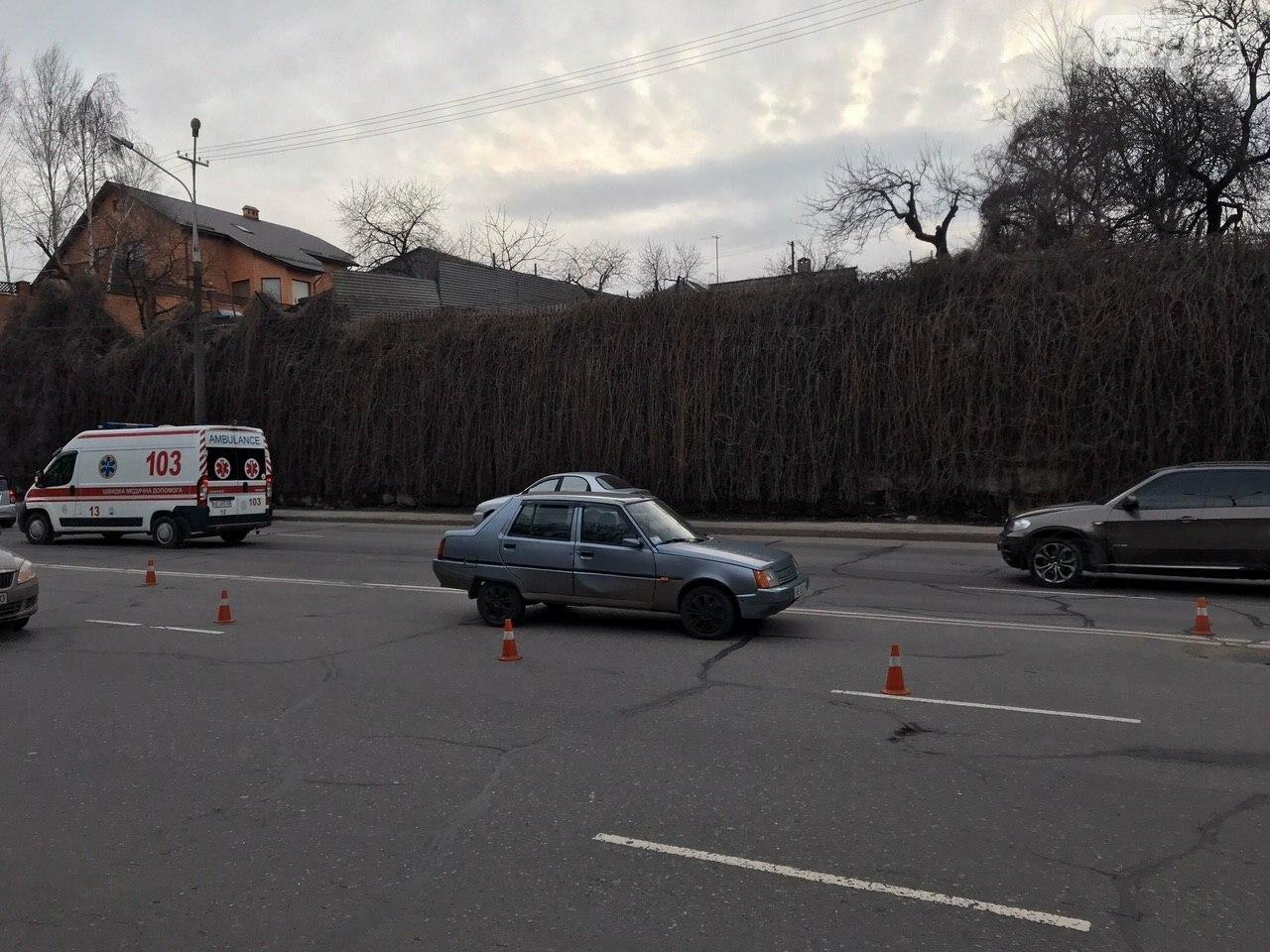В Кривом Роге легковой автомобиль сбил подростка, который выскочил на дорогу, - ФОТО , фото-5