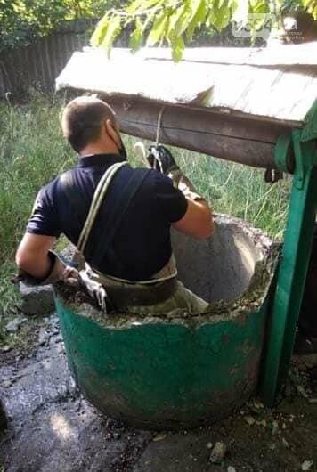 Спасатели достали козленка из 3-метрового колодца, - ФОТО, фото-2