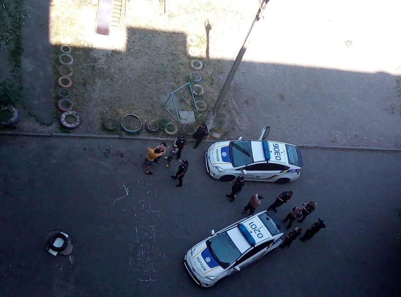 Во дворе жилого дома пьяный криворожанин открыл стрельбу, - ФОТО , фото-4