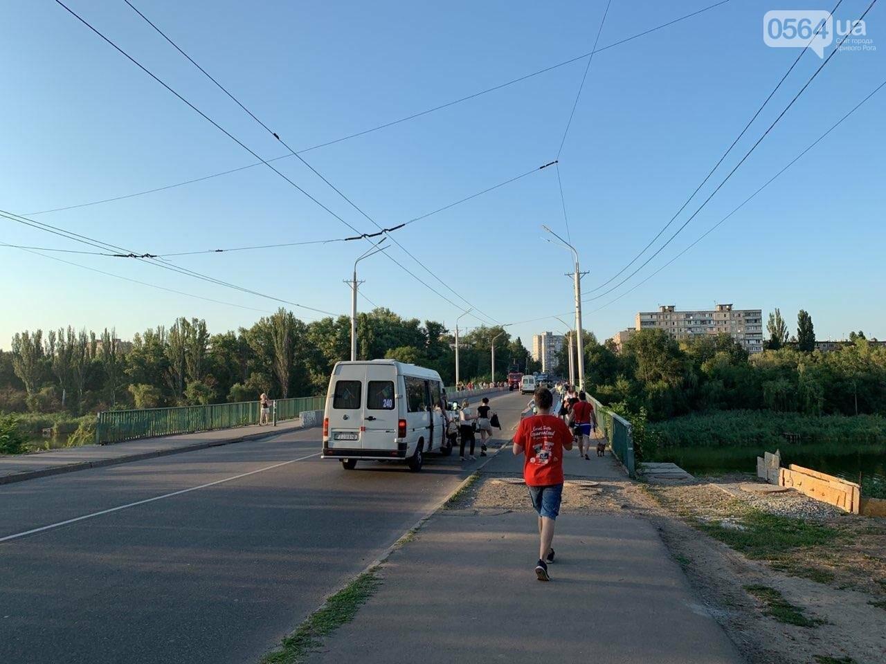 "В Кривом Роге на мосту загорелся ""Opel "", - ФОТО , фото-4"