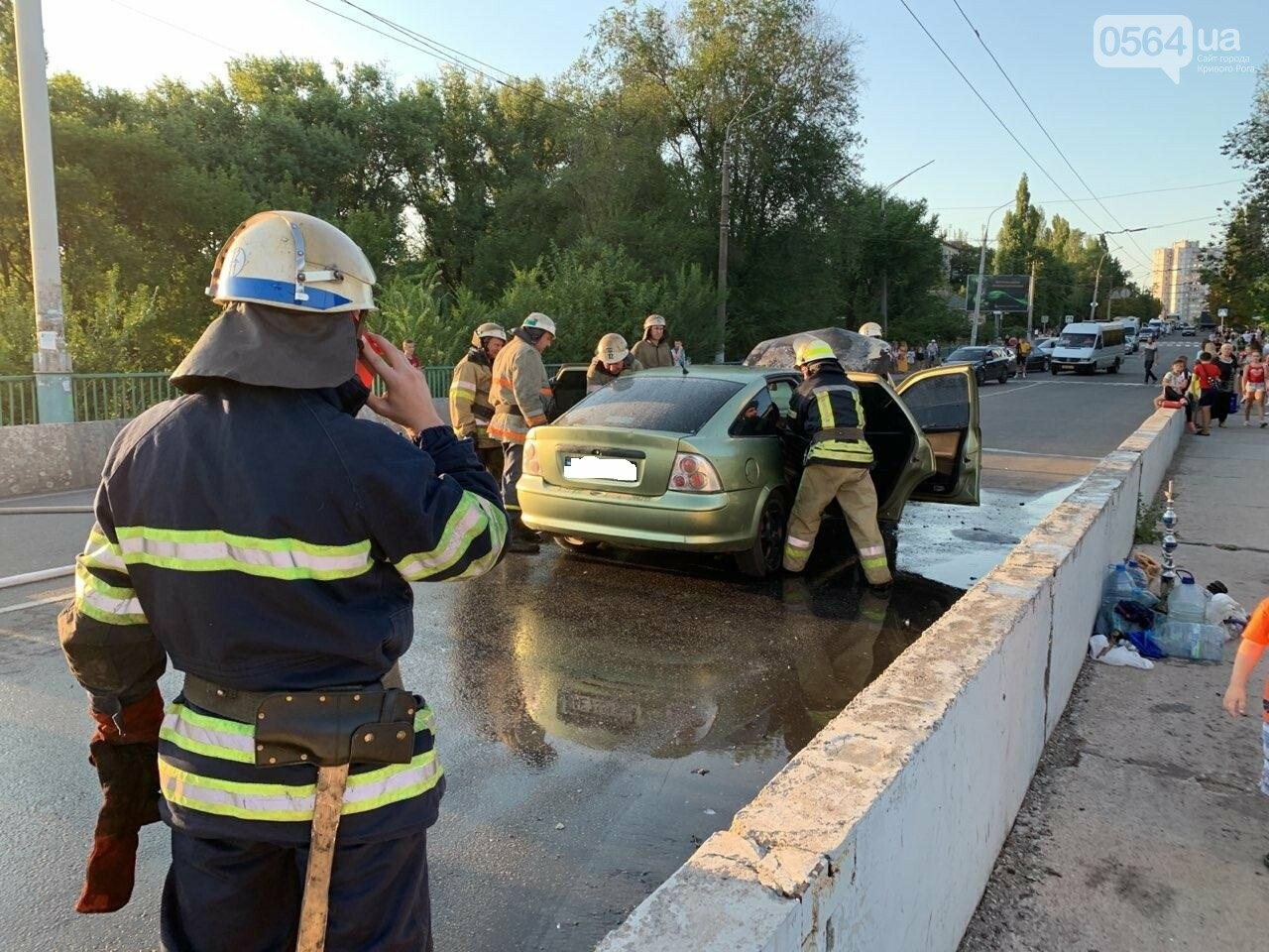 "В Кривом Роге на мосту загорелся ""Opel "", - ФОТО , фото-1"