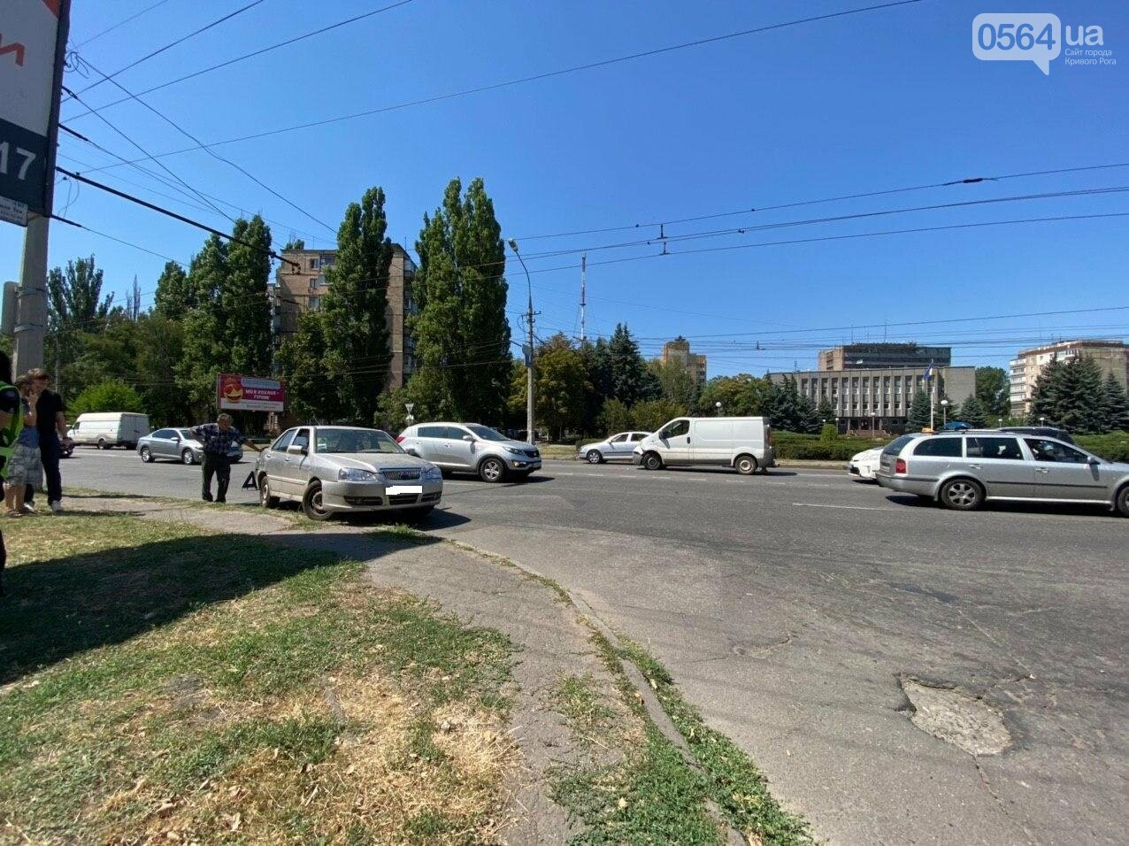 На Днепровском шоссе в Кривом Роге произошла авария, - ФОТО, фото-2