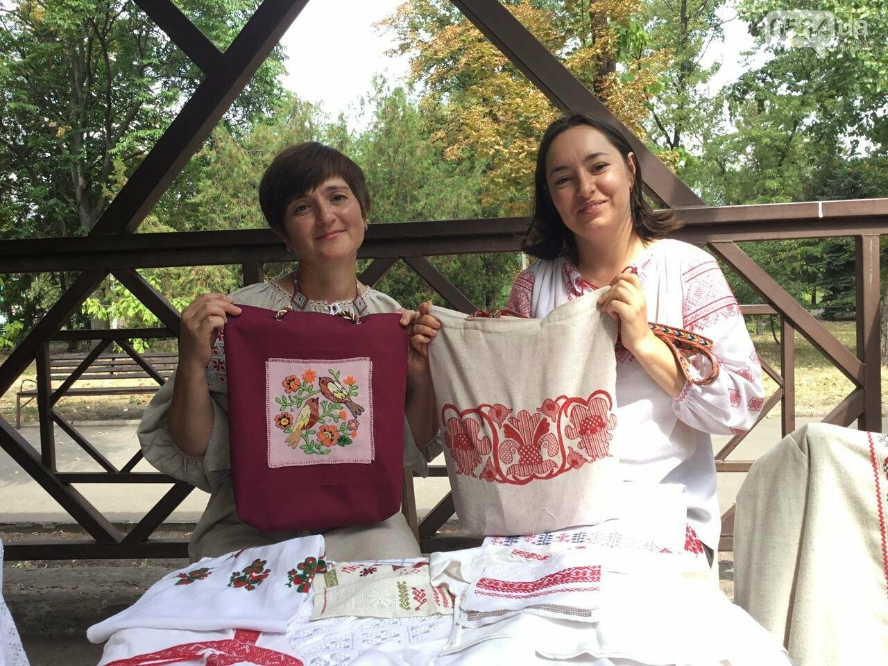 Криворожские вышивальщицы готовят сюрприз для родного города, - ФОТО, ВИДЕО, фото-9