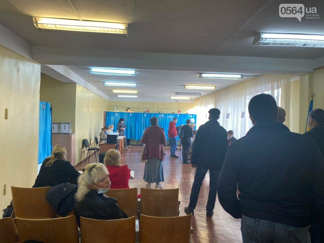 В Кривом Роге избиратель хотел проголосовать раньше времени, - ФОТО, ВИДЕО , фото-5
