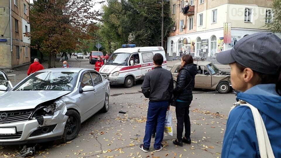 """На перекрестке Кривого Рога не разминулись """"ВАЗ"""" и """"Opel"""", - ФОТО , фото-6"""