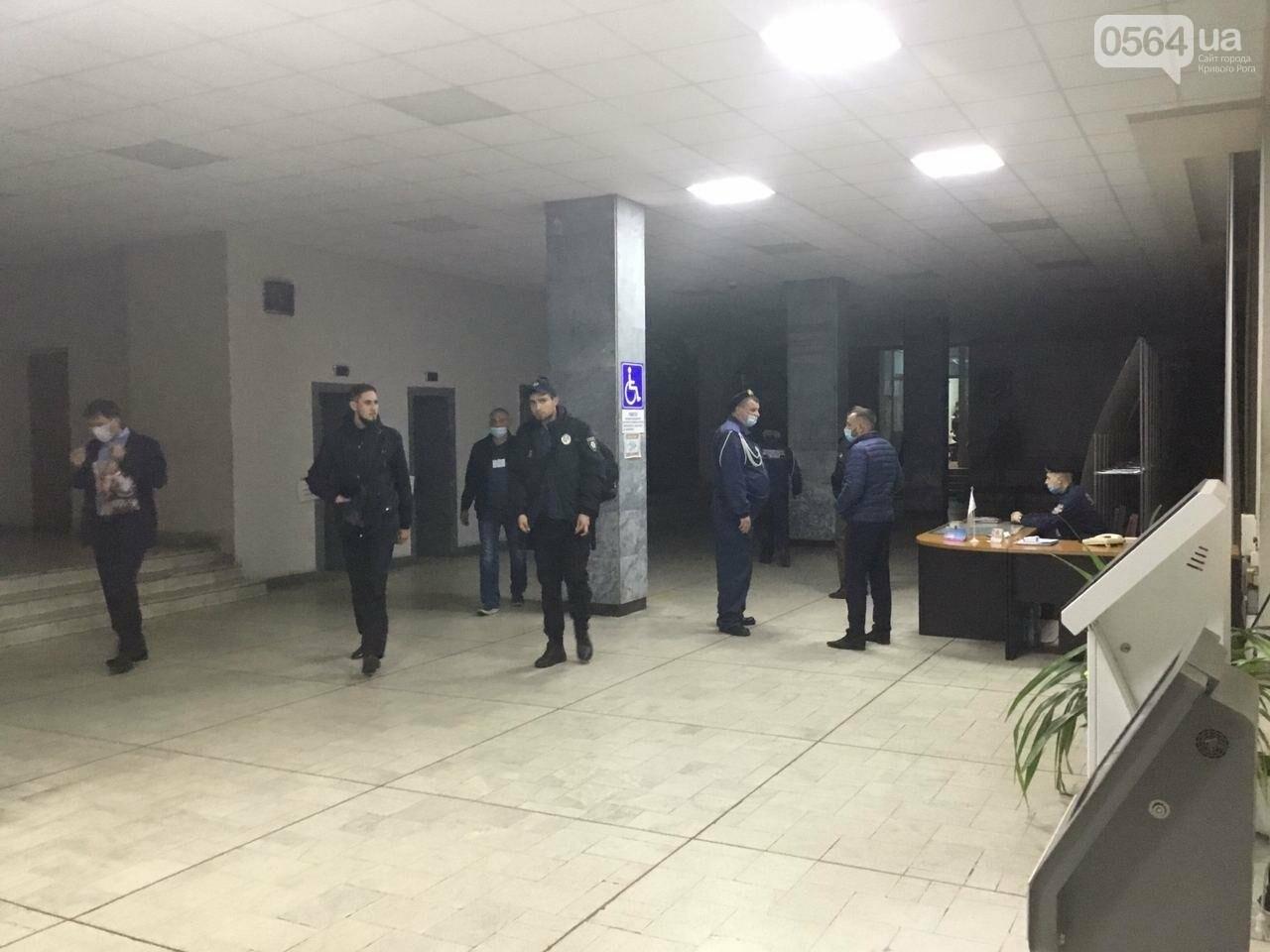 Криворожская городская избирательная комиссия приняла протоколы от более 25% УИК, - ФОТО, фото-9