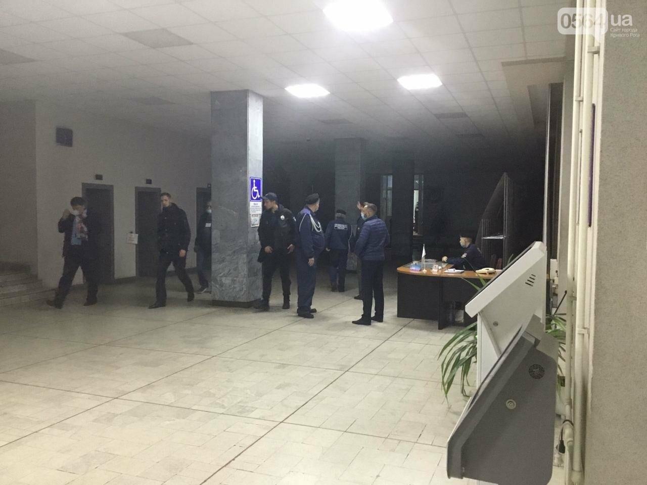 Криворожская городская избирательная комиссия приняла протоколы от более 25% УИК, - ФОТО, фото-8