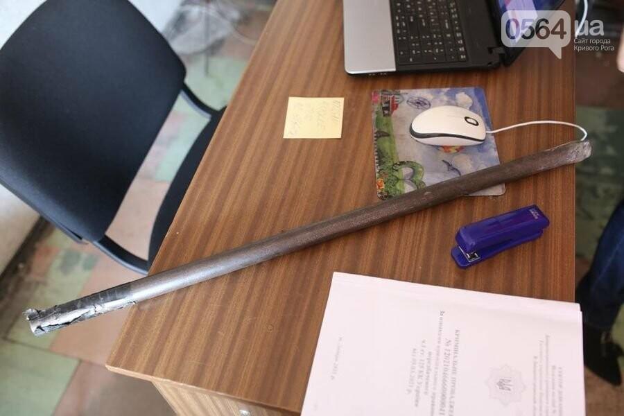 Гантели, лом, лопату и утюг обнаружили в служебных кабинетах отделения полиции во время мониторингового визита, - ФОТО  , фото-2