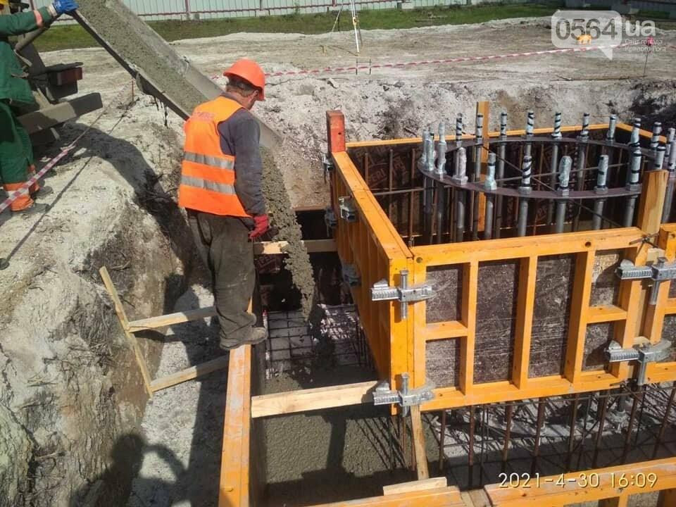 Как проходит строительство 72-метрового флагштока в Кривом Роге, - ФОТО , фото-4