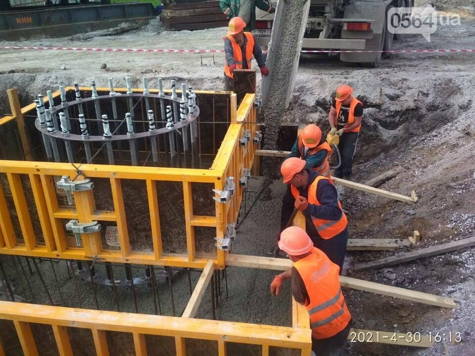 Как проходит строительство 72-метрового флагштока в Кривом Роге, - ФОТО , фото-3