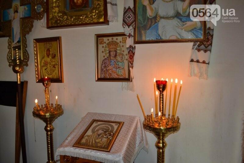 В храмах Кривого Рога провели праздничные богослужения и освятили пасхальные корзины,  - ФОТО, ВИДЕО, фото-14