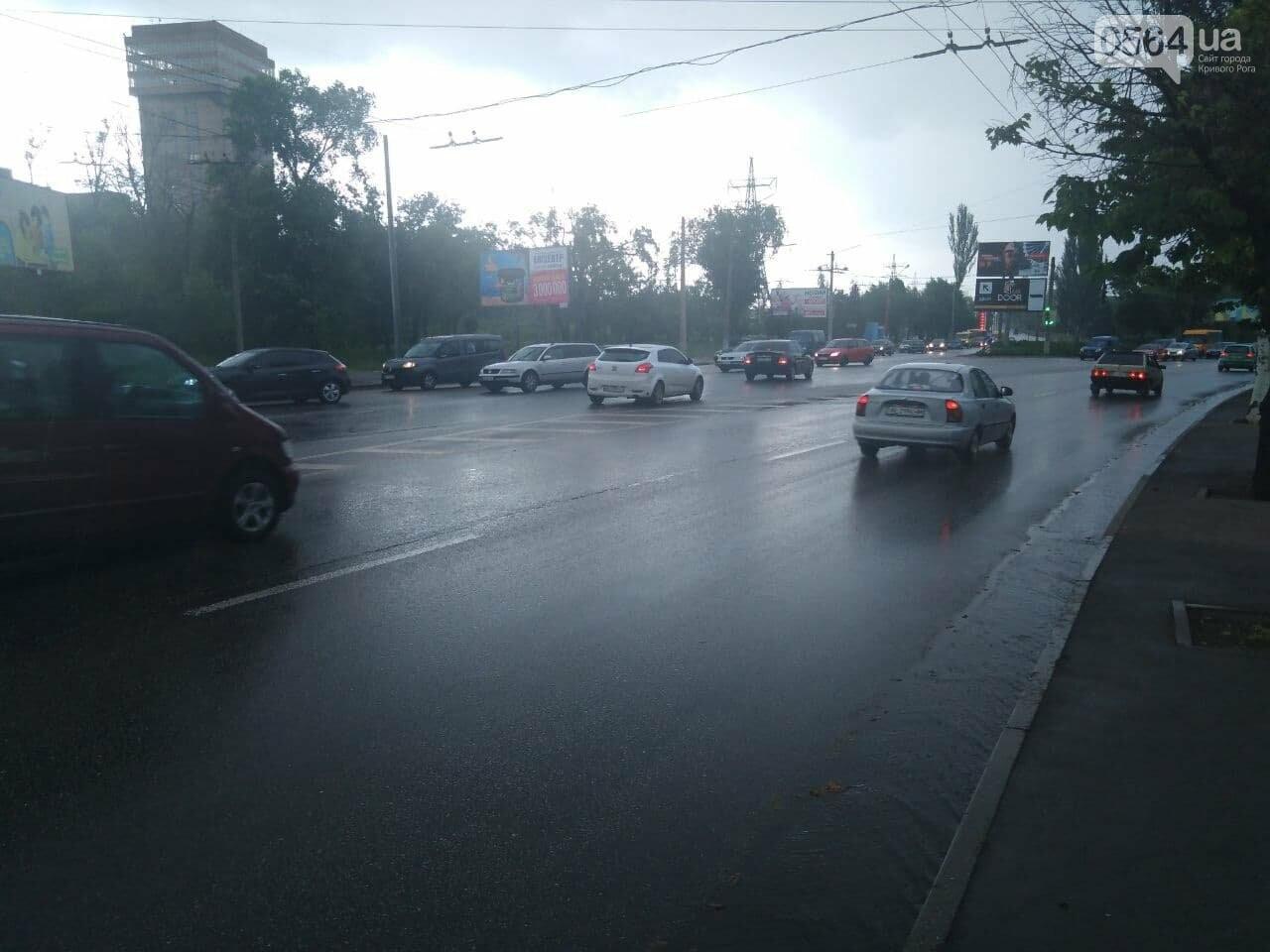 """На """"свадебном перекрёстке"""" в Кривом Роге столкнулись Mercedes и Chevrolet, - ФОТО, фото-2"""