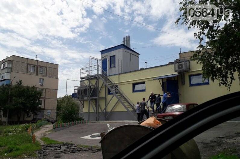 У мальчика на Днепропетровщине застряла нога на лестнице, на помощь пришли спасатели, - ФОТО, фото-2
