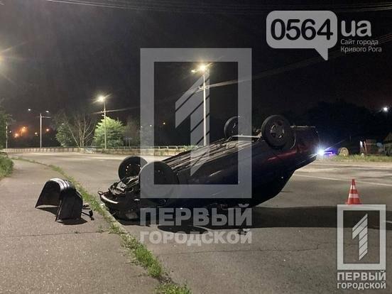 В Кривом Роге пьяный водитель перевернул свой автомобиль на крышу, - ФОТО, фото-3